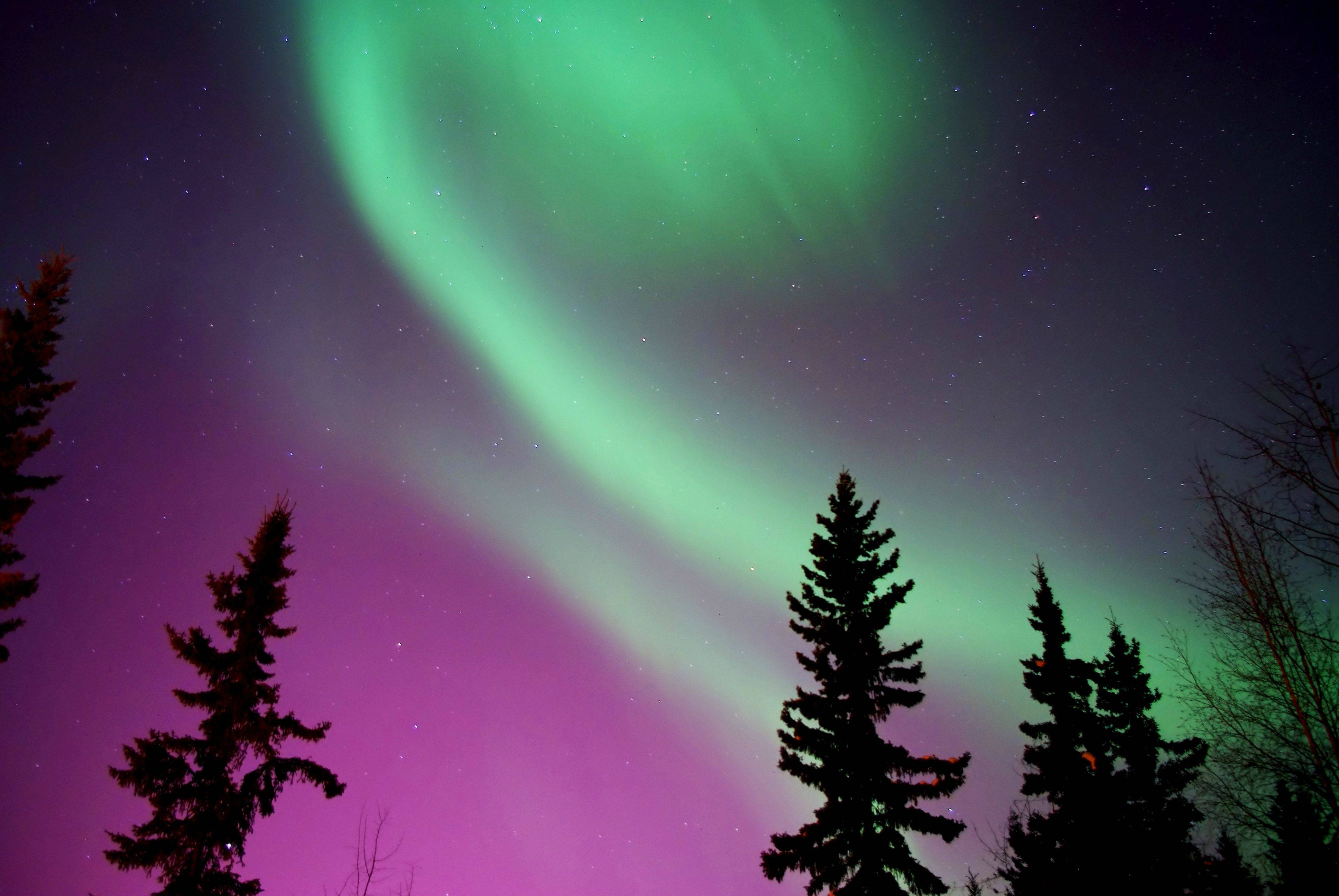 Travellers guide to the northern lights 171 baltic travel company