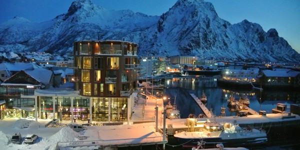 Lofoten Svolvaer by night